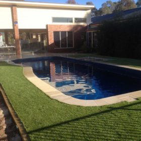 honed-sandstone-synthetic-grass1